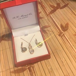 MACY'S DKNY ROSE GOLD PLATED EARRINGS/NECKLACE SET
